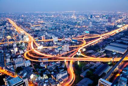 Fostering Hubs of Creativity: Big Cities and Online Communities