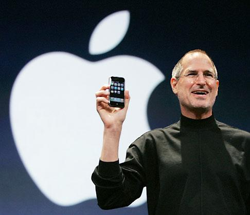 steve-jobs-and-the-iphone