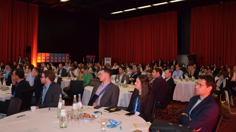 innovate-bonn-2019-main-room-crowd-1